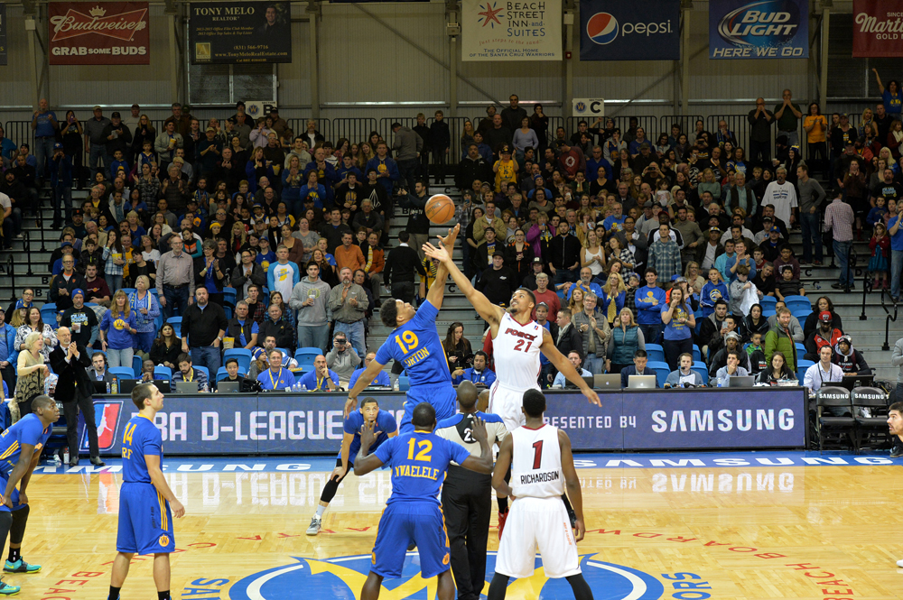 SANTA CRUZ, CA - JANUARY 9:  Santa Cruz Warrirors and Sioux Falls Skyforce tip off during Day Four of the 2016 NBA D-League Showcase on January 9, 2016 at the Kaiser Permanente Arena in Santa Cruz, California. NOTE TO USER: User expressly acknowledges and agrees that, by downloading and or using this Photograph, user is consenting to the terms and conditions of the Getty Images License Agreement. Mandatory Copyright Notice: Copyright 2016 NBAE (Photo by Phil Pasag/NBAE via Getty Images)